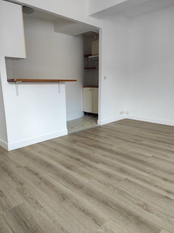 Appartement à louer 2 38m2 à Chennevières-sur-Marne vignette-1