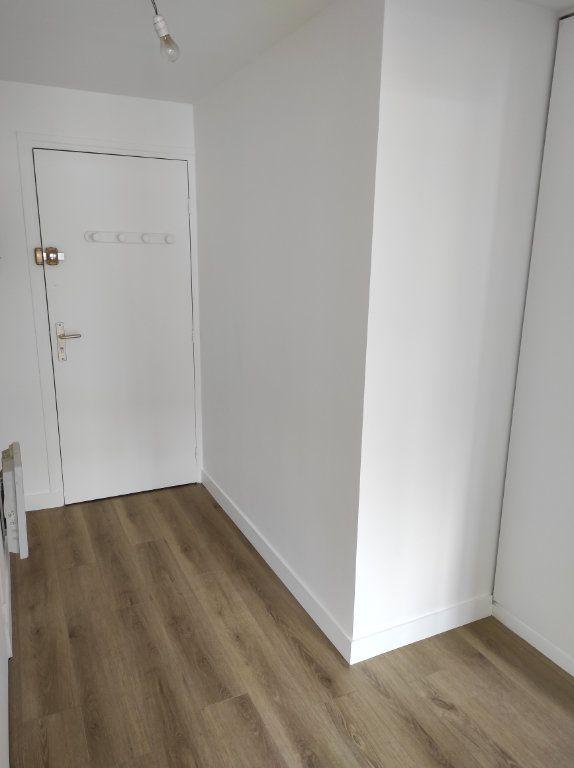 Appartement à louer 2 38m2 à Chennevières-sur-Marne vignette-6
