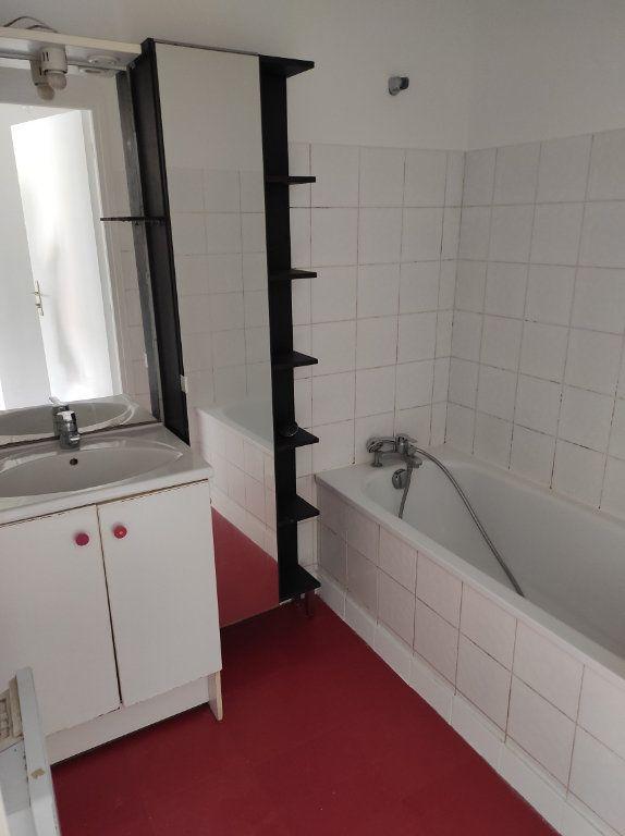 Appartement à louer 2 38m2 à Chennevières-sur-Marne vignette-8