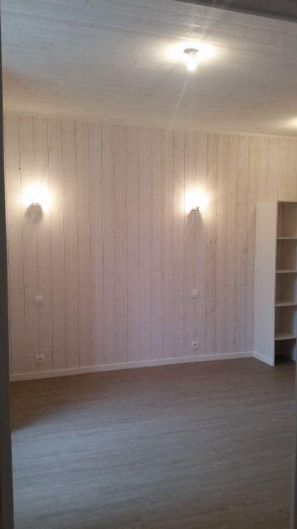 Appartement à louer 1 27m2 à Chennevières-sur-Marne vignette-2