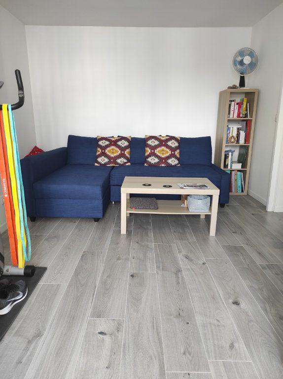 Appartement à louer 1 31.52m2 à Chennevières-sur-Marne vignette-1