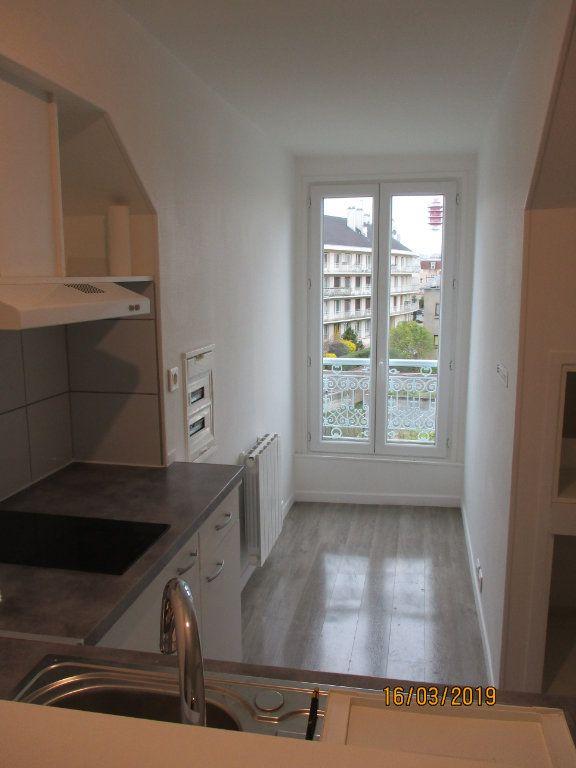 Appartement à louer 1 31.52m2 à Chennevières-sur-Marne vignette-7