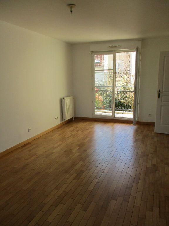Appartement à louer 3 63.36m2 à Chennevières-sur-Marne vignette-3