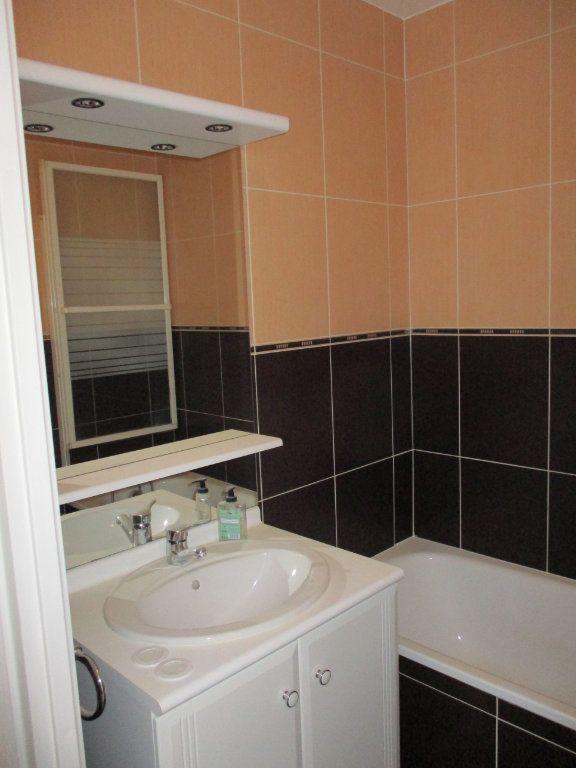 Appartement à louer 3 63.36m2 à Chennevières-sur-Marne vignette-9