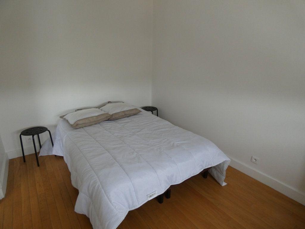 Appartement à louer 2 25.01m2 à Sucy-en-Brie vignette-2