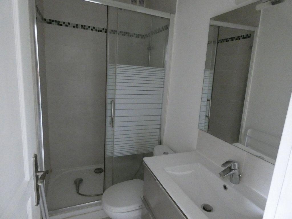 Appartement à louer 2 25.01m2 à Sucy-en-Brie vignette-3