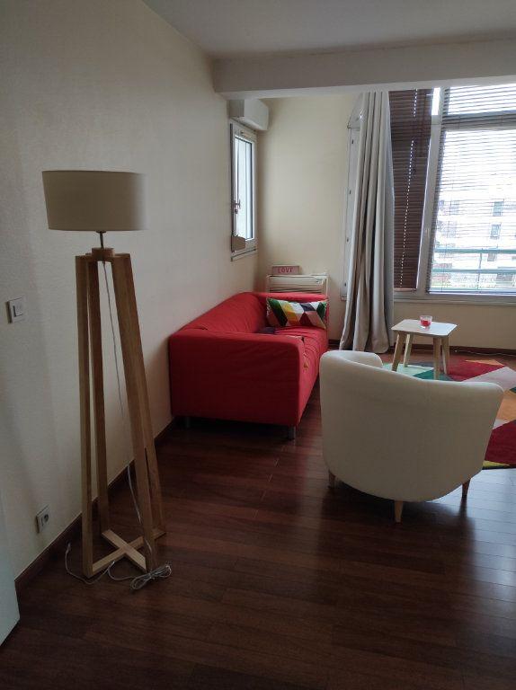 Appartement à louer 3 67.05m2 à Limeil-Brévannes vignette-2