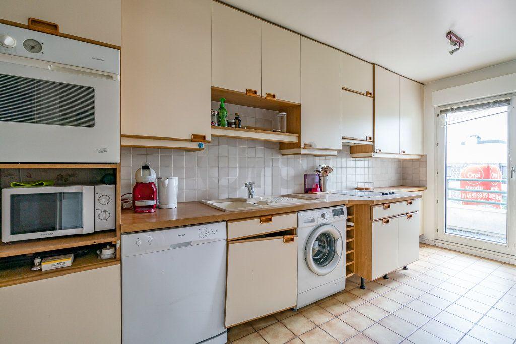 Appartement à louer 3 67.05m2 à Limeil-Brévannes vignette-3