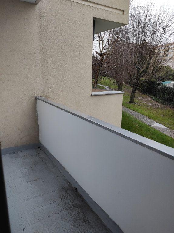 Appartement à louer 4 79.51m2 à Chennevières-sur-Marne vignette-4