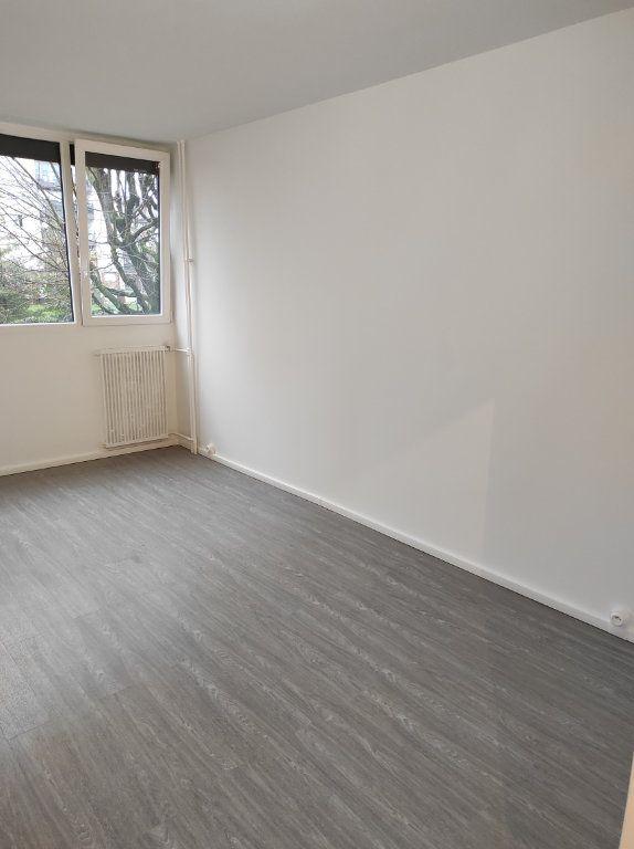 Appartement à louer 4 79.51m2 à Chennevières-sur-Marne vignette-6