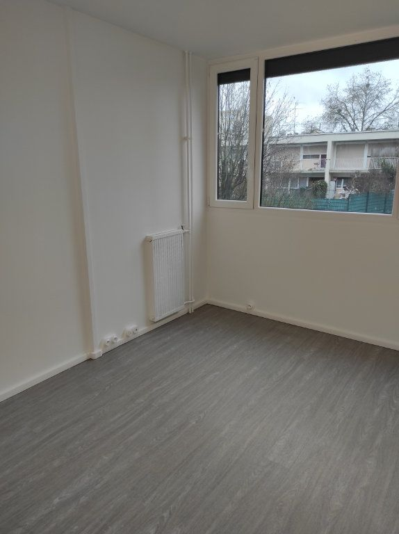 Appartement à louer 4 79.51m2 à Chennevières-sur-Marne vignette-7
