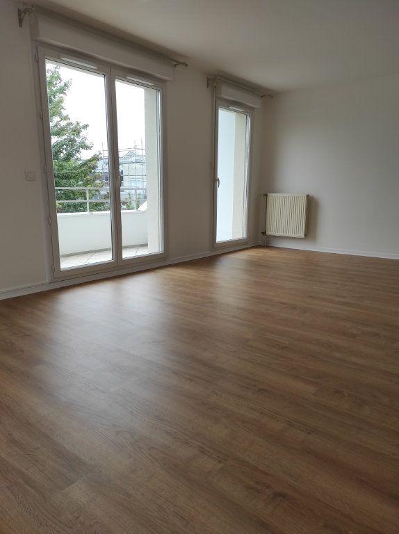 Appartement à louer 4 77.62m2 à Noiseau vignette-3