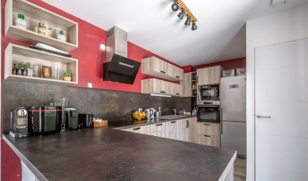 Maison à vendre 5 104m2 à Ormesson-sur-Marne vignette-2