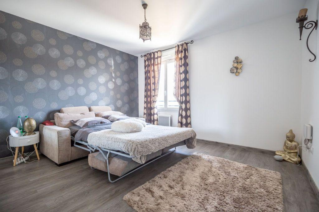 Maison à vendre 5 104m2 à Ormesson-sur-Marne vignette-5