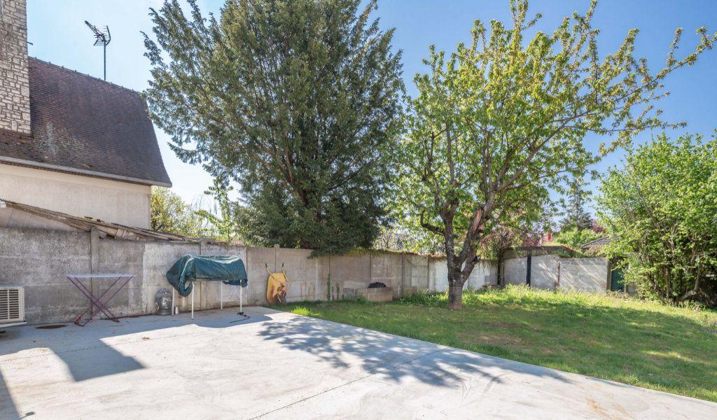 Maison à vendre 5 104m2 à Ormesson-sur-Marne vignette-9