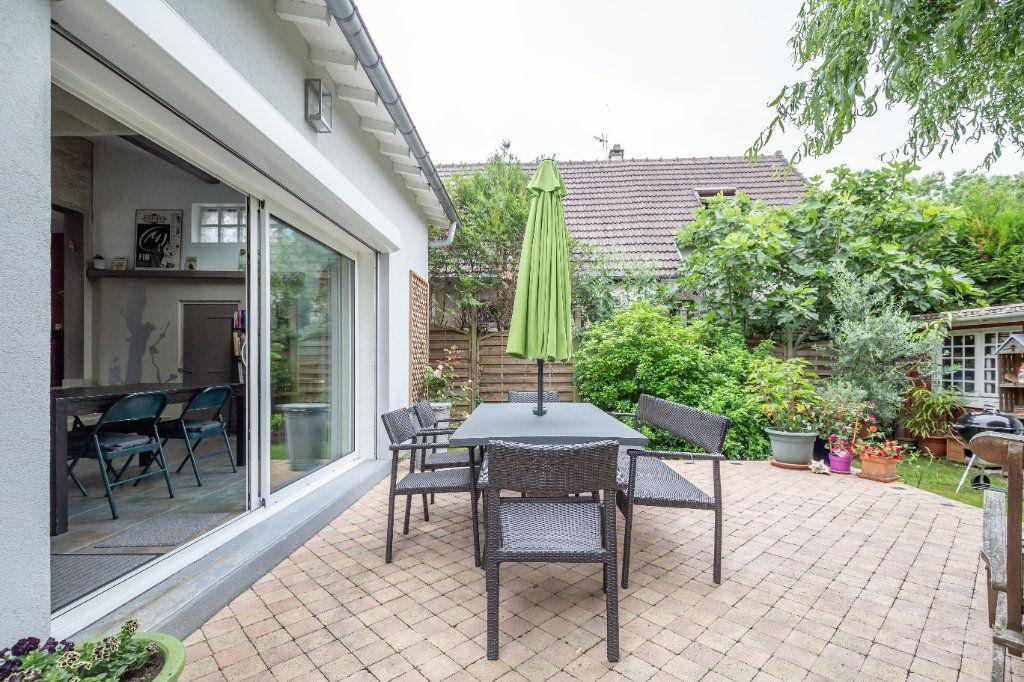 Maison à vendre 7 170m2 à Sucy-en-Brie vignette-2