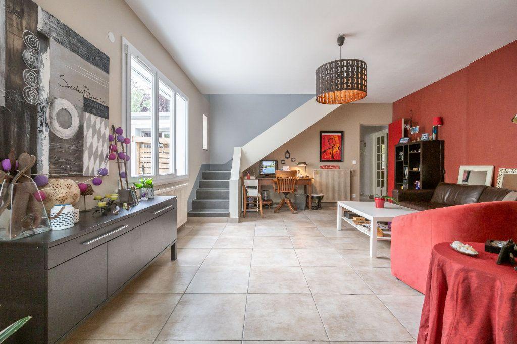 Maison à vendre 7 170m2 à Sucy-en-Brie vignette-4