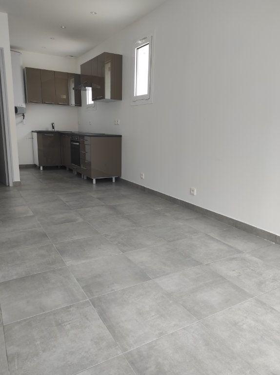 Appartement à louer 2 32.51m2 à Chennevières-sur-Marne vignette-1