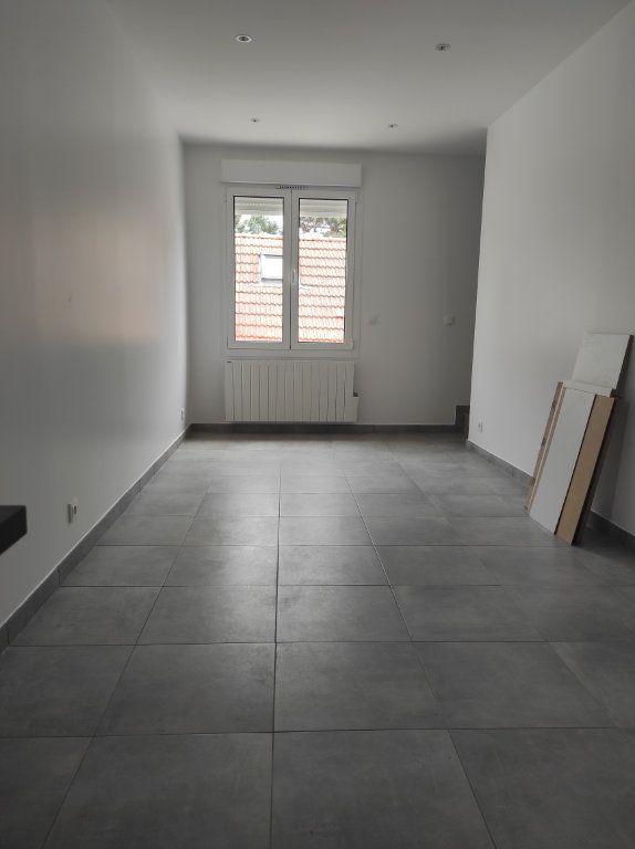 Appartement à louer 2 32.51m2 à Chennevières-sur-Marne vignette-3