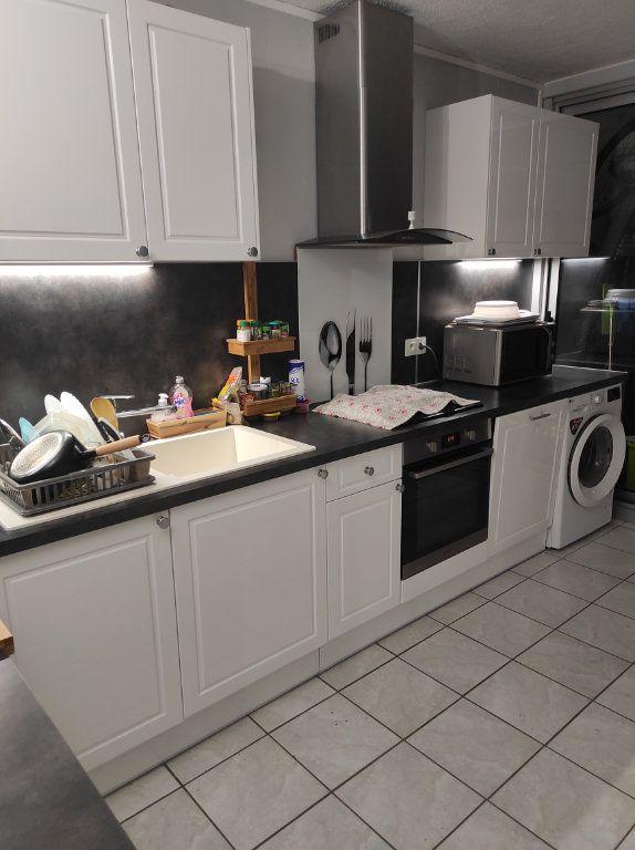 Appartement à louer 3 63.08m2 à Boussy-Saint-Antoine vignette-4