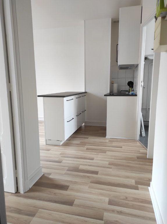 Appartement à louer 2 30.81m2 à La Varenne - Saint-Maur-des-Fossés vignette-2