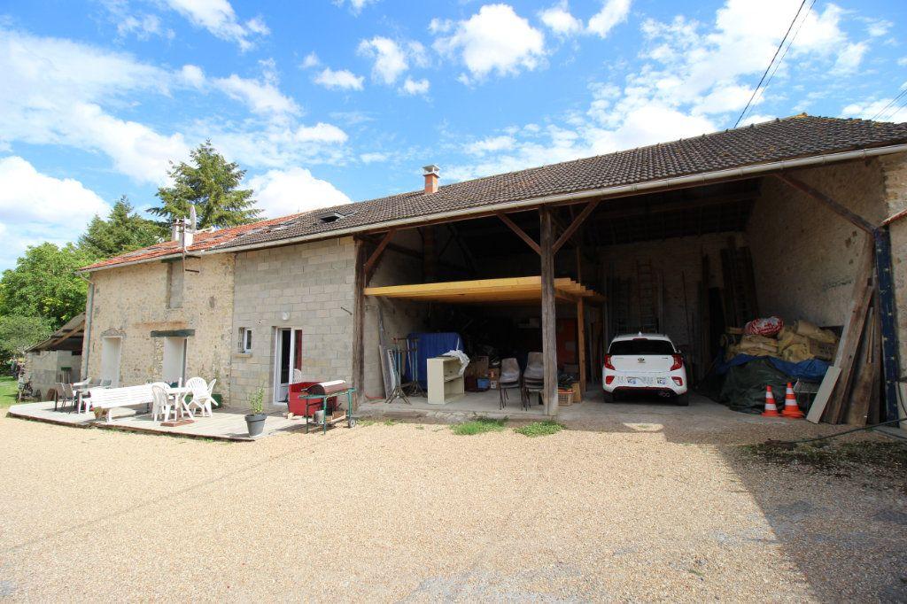 Maison à vendre 7 445m2 à Brières-les-Scellés vignette-3
