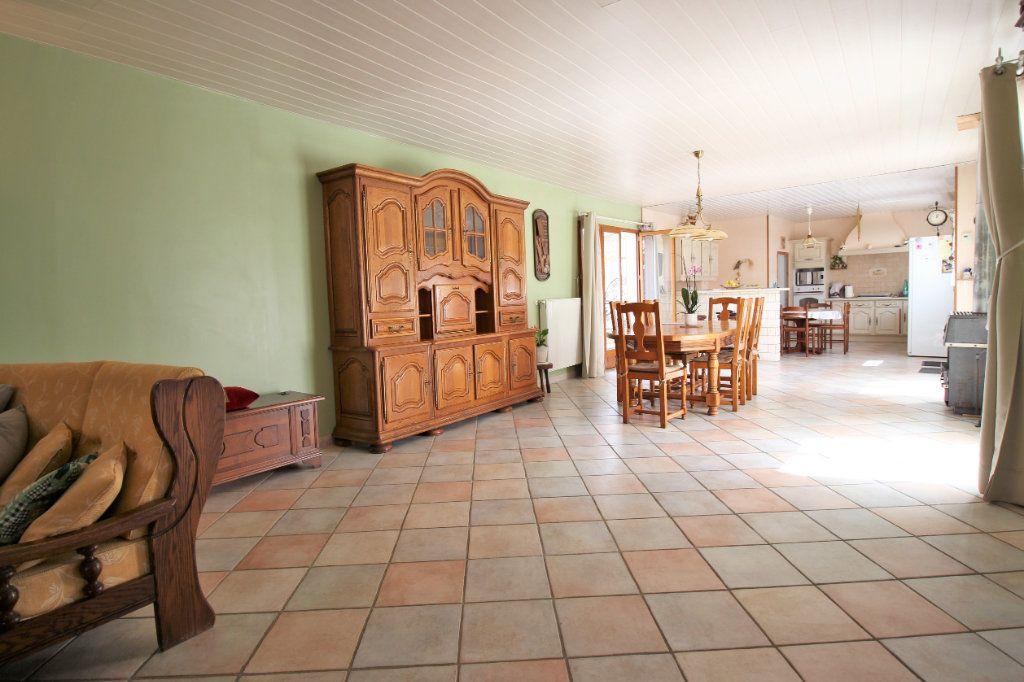 Maison à vendre 7 445m2 à Brières-les-Scellés vignette-6
