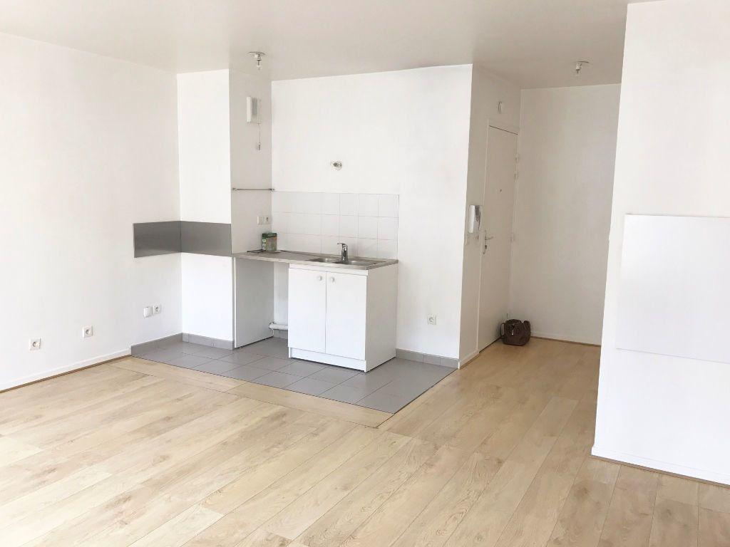 Appartement à louer 2 44.34m2 à Buc vignette-2