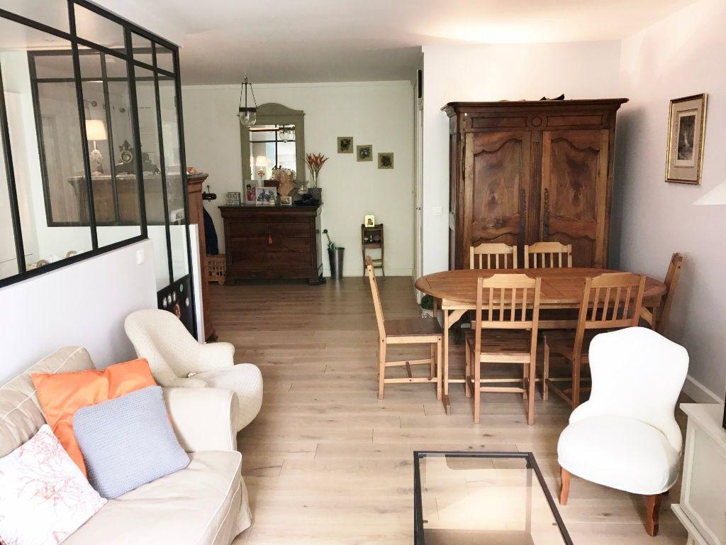 Appartement à louer 5 98.72m2 à Versailles vignette-2