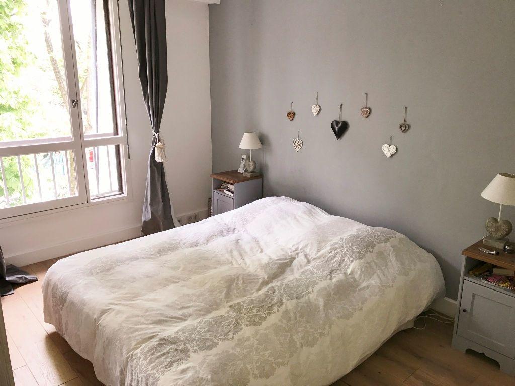 Appartement à louer 5 98.72m2 à Versailles vignette-4