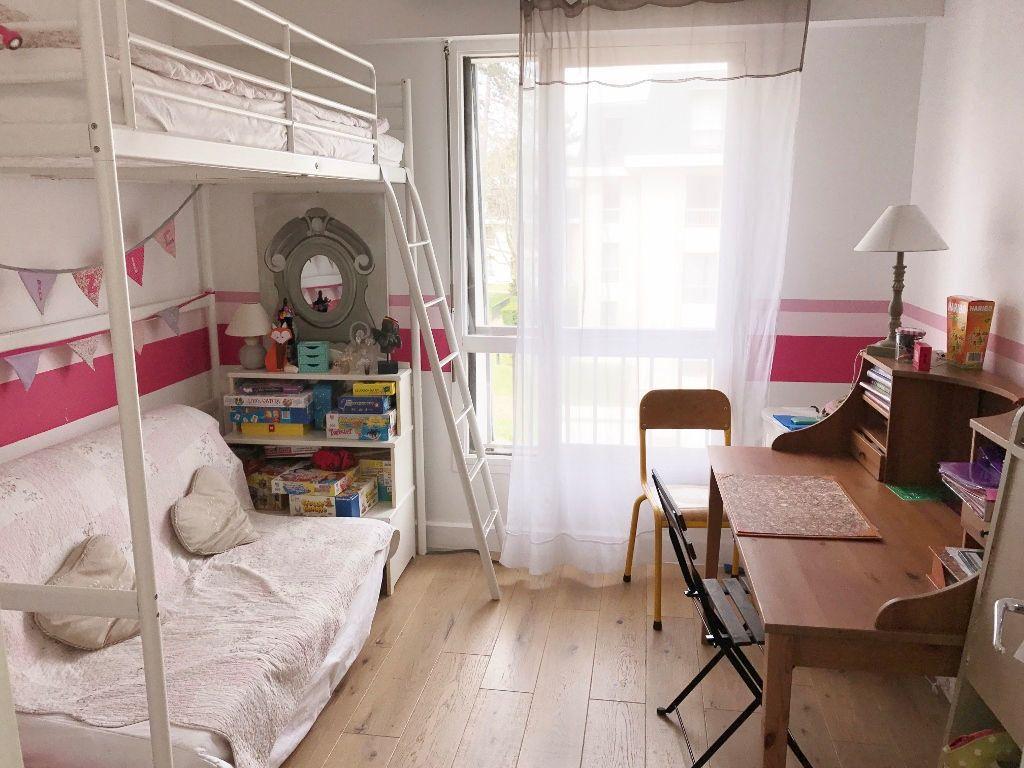 Appartement à louer 5 98.72m2 à Versailles vignette-6