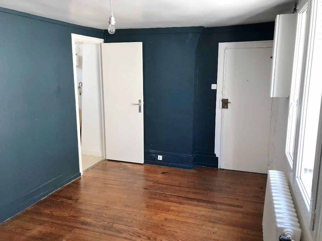 Appartement à louer 2 35.41m2 à Versailles vignette-2