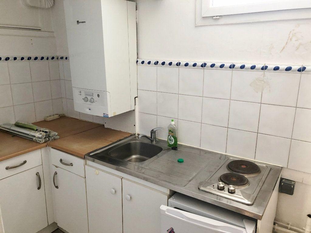 Appartement à louer 2 35.41m2 à Versailles vignette-4