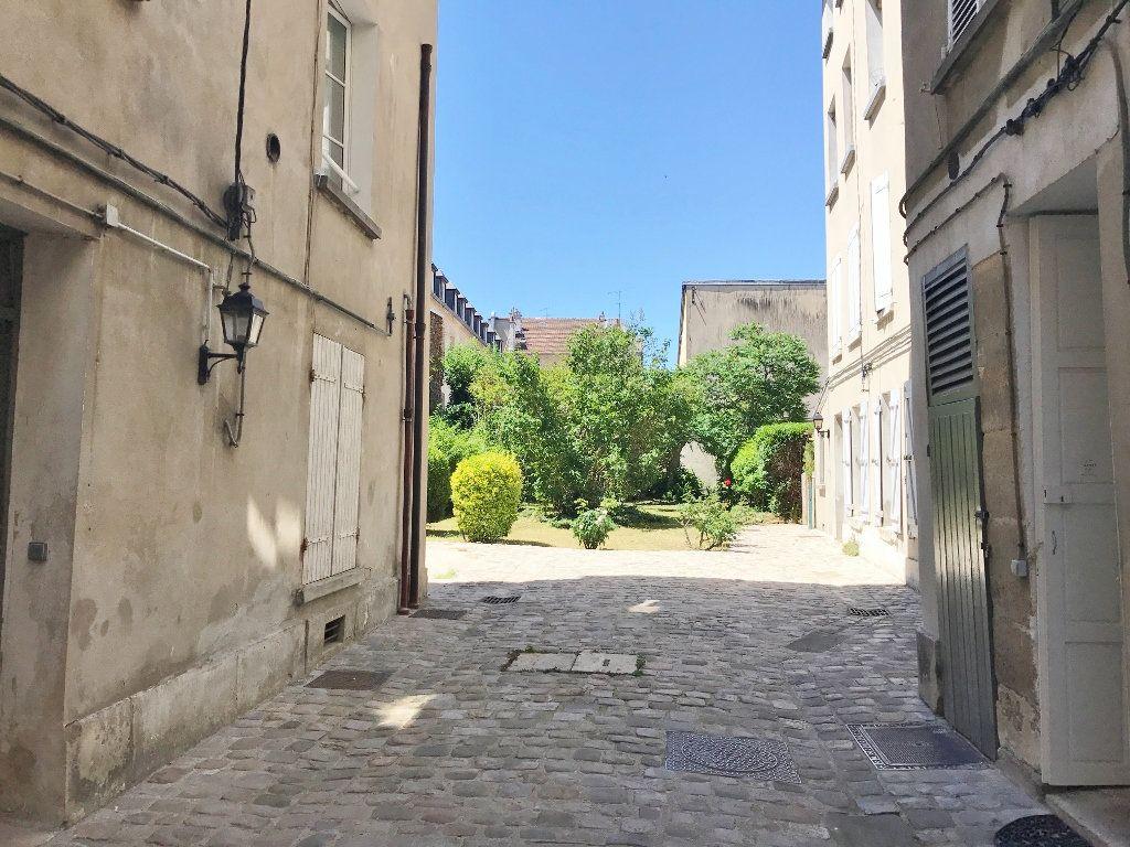 Appartement à louer 2 35.41m2 à Versailles vignette-8