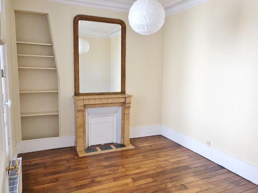Appartement à louer 3 60.02m2 à Versailles vignette-5