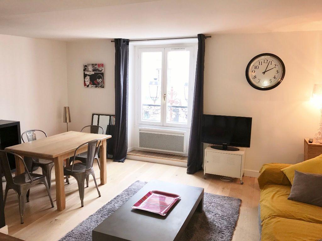 Appartement à louer 3 72.9m2 à Versailles vignette-1