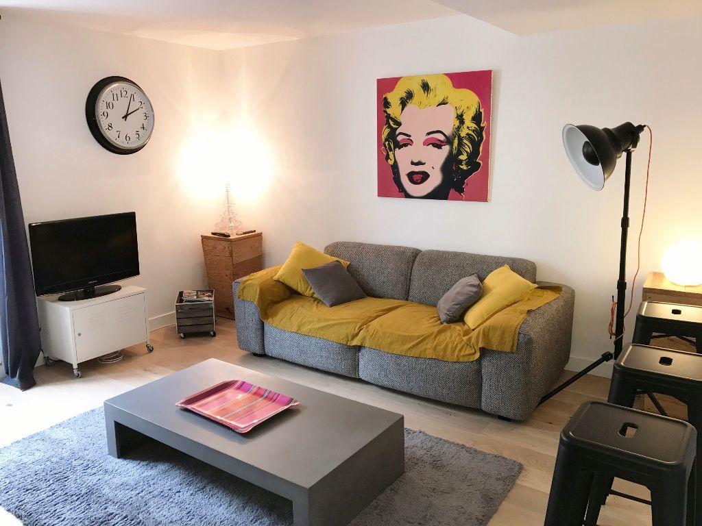 Appartement à louer 3 72.9m2 à Versailles vignette-2