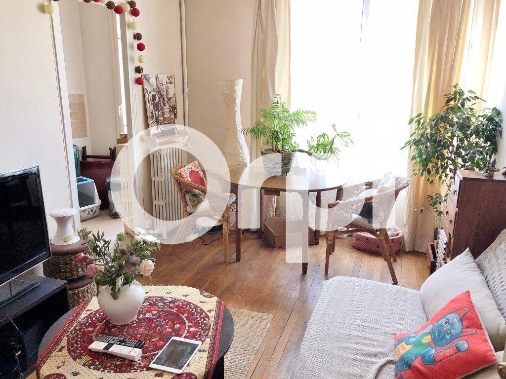 Appartement à louer 2 46.62m2 à Versailles vignette-1