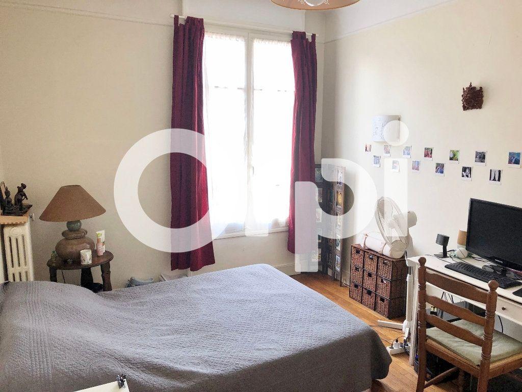 Appartement à louer 2 46.62m2 à Versailles vignette-3