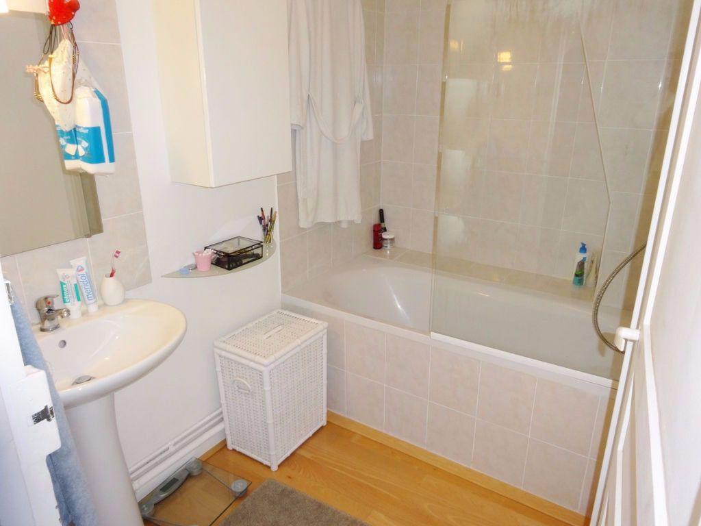 Appartement à louer 2 31m2 à Versailles vignette-4
