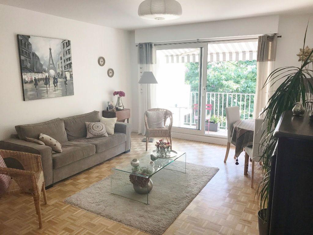 Appartement à louer 2 54.6m2 à Versailles vignette-1