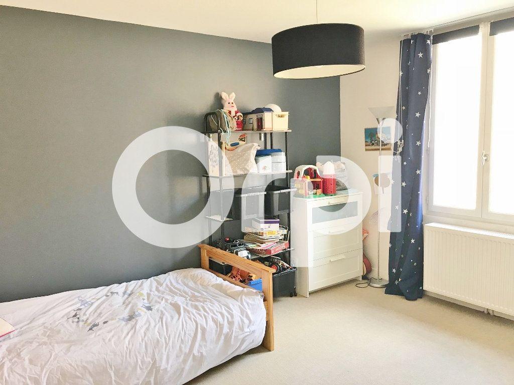 Maison à louer 4 113.02m2 à Versailles vignette-7