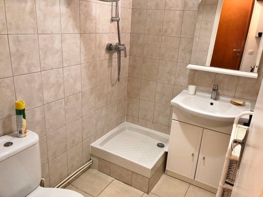 Appartement à louer 1 16.22m2 à Versailles vignette-3