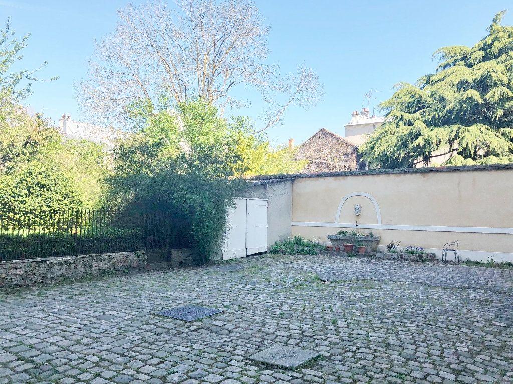 Appartement à louer 2 41.11m2 à Versailles vignette-2