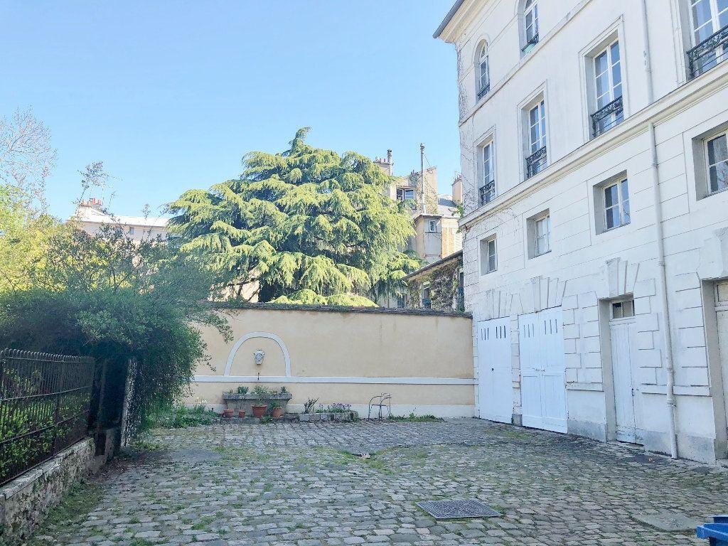 Appartement à louer 2 41.11m2 à Versailles vignette-3