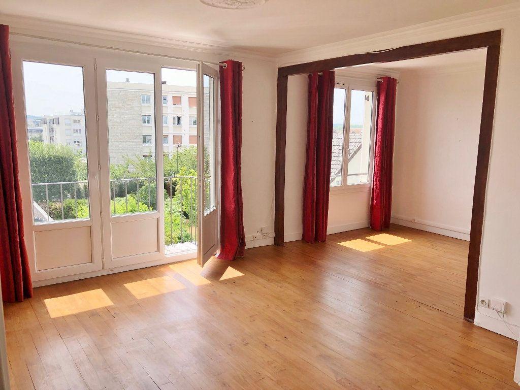 Appartement à louer 4 67.97m2 à Le Chesnay vignette-1