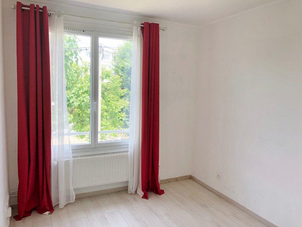 Appartement à louer 4 67.97m2 à Le Chesnay vignette-8