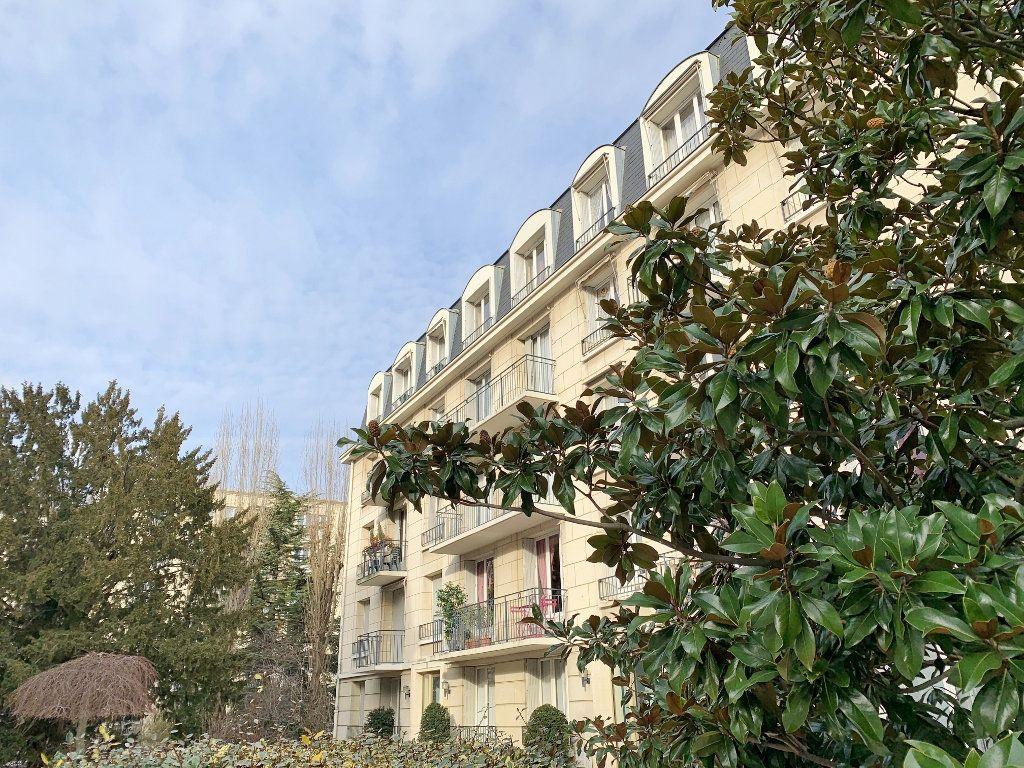 Appartement à vendre 5 125.56m2 à Versailles vignette-1