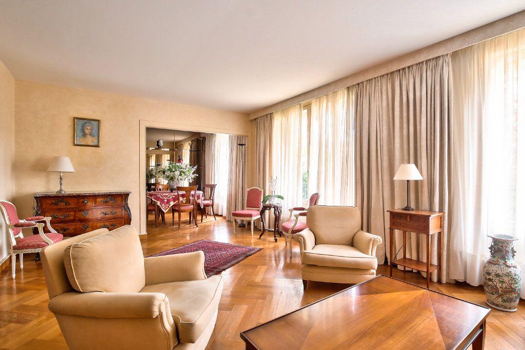 Appartement à vendre 5 125.56m2 à Versailles vignette-2