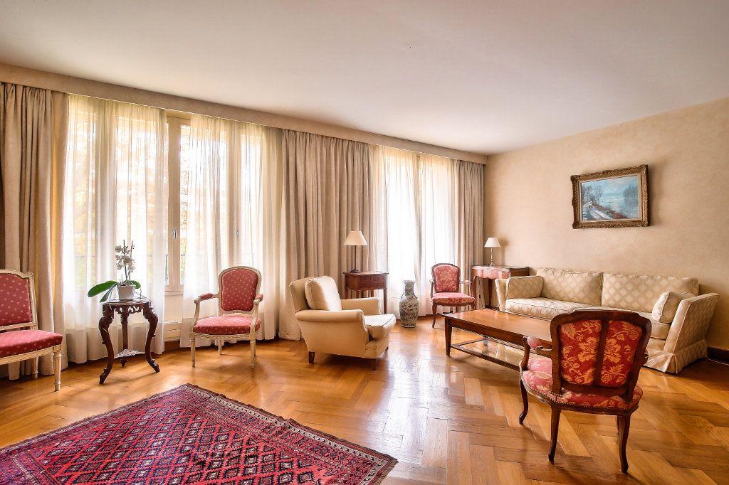 Appartement à vendre 5 125.56m2 à Versailles vignette-3